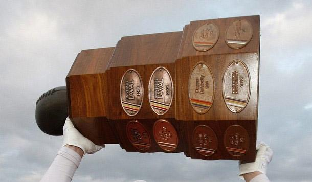 Le football universitaire du RSEQ sur TVA Sports jusqu'en 2019