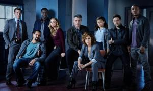 Shades of Blue : Jennifer Lopez s'achète une série