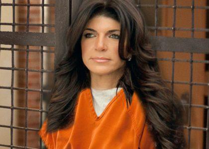 teresa-giudice-enters-prison-pp