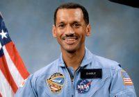 Charles Bolden: le dirigeant de la NASA croit aux extraterrestres