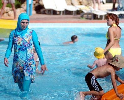 Burkini: les trous béants dans l'argumentaire de ceux qui le défendent