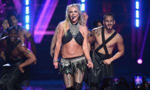 Britney Ever After: Natasha Bennett dans la peau de Britney Spears
