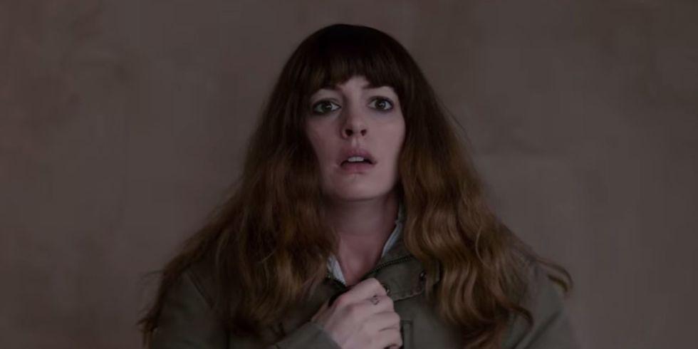 Colossal: Anne Hathaway controle un monstre géant dans le premier trailer