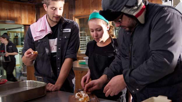Un chef à la cabane de retour pour une troisième saison à Télé-Québec