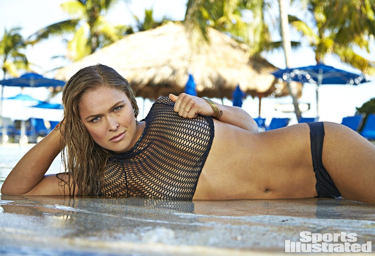 UFC: Ronda Rousey dans le Sports Illustrated Swimsuit Issue