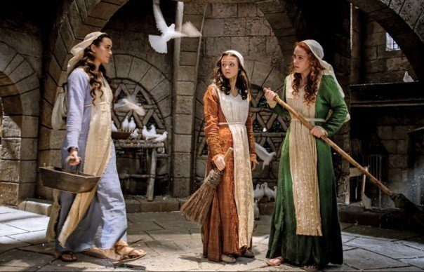 Cote-de-Pablo-Kathryn-Prescott-and-Rachel-Brosnahan-in-The-Dovekeepers-e1427826190995