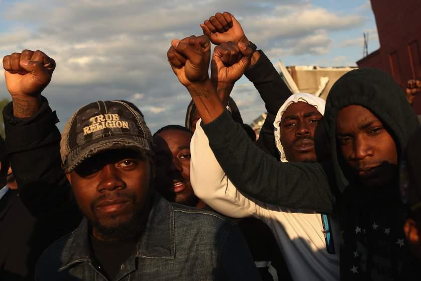 Affaire Freddie Gray: Comment suivre les émeutes de Baltimore en direct sur le web (vidéo)