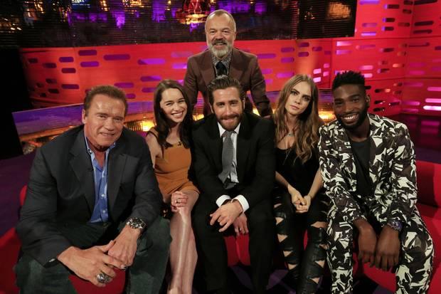 Game of Thrones: Emilia Clarke parle de la scène de viol avec Jason Momoa