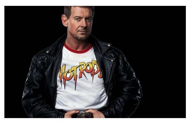 """Décès du lutteur culte """"Rowdy"""" Roddy Piper"""