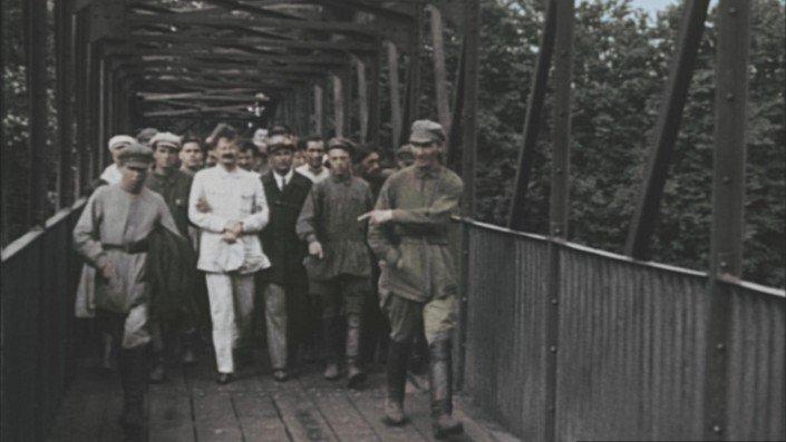 Léon Trotski lors de son exil en Asie Centrale - 1927
