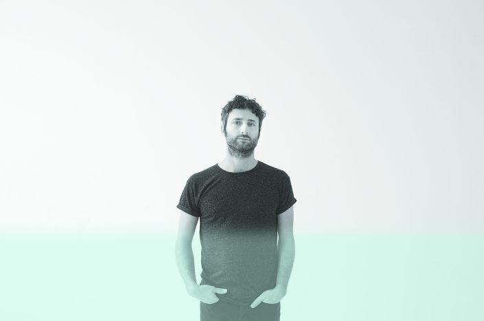 Microphone : Louis-Jean Cormier à Télé-Québec