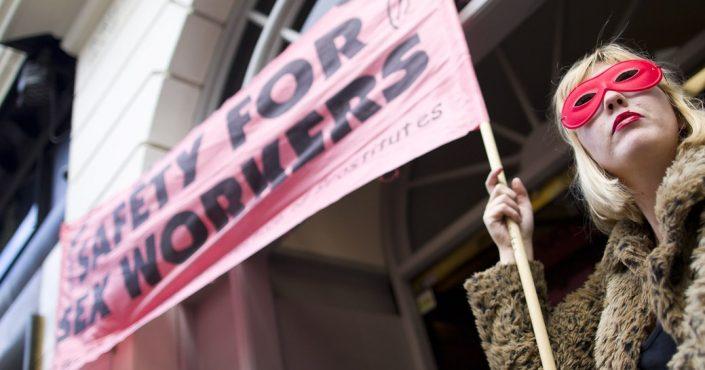 Amnesty International publie sa position sur la protection des travailleuses et travailleurs du sexe