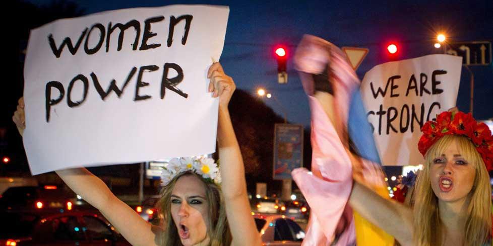 La révolution mammaire des mouvements militants féministes