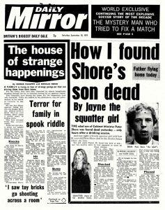 La une du quotidien britannique Daily Mirror a publié le 10 septembre 1977 un article intitulé « The house of strange happenings ».
