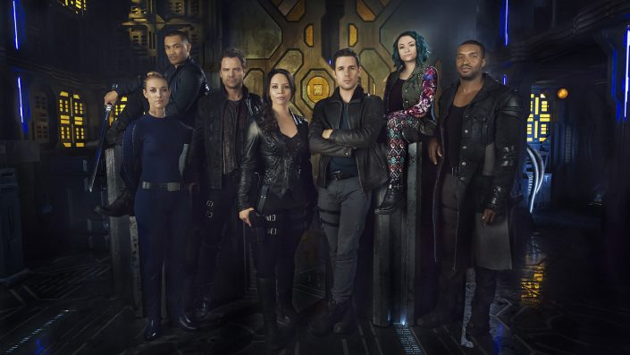 DARK MATTER Zoie Palmer,  Alex Mallari Jr. , Anthony Lemke , Melissa O'Neil , Mark Bendavid, Jodelle Ferland, Roger Cross  (Photo par: Dennys/Ilic/Syfy)