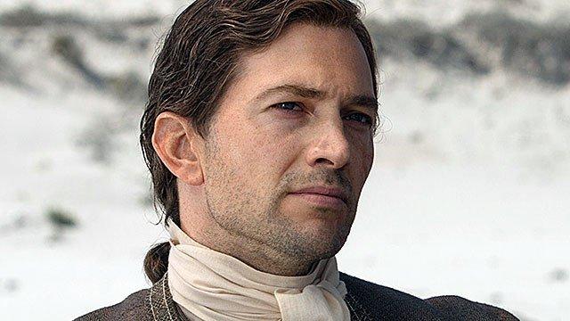 Ransom Luke Roberts dans la série Black Sails