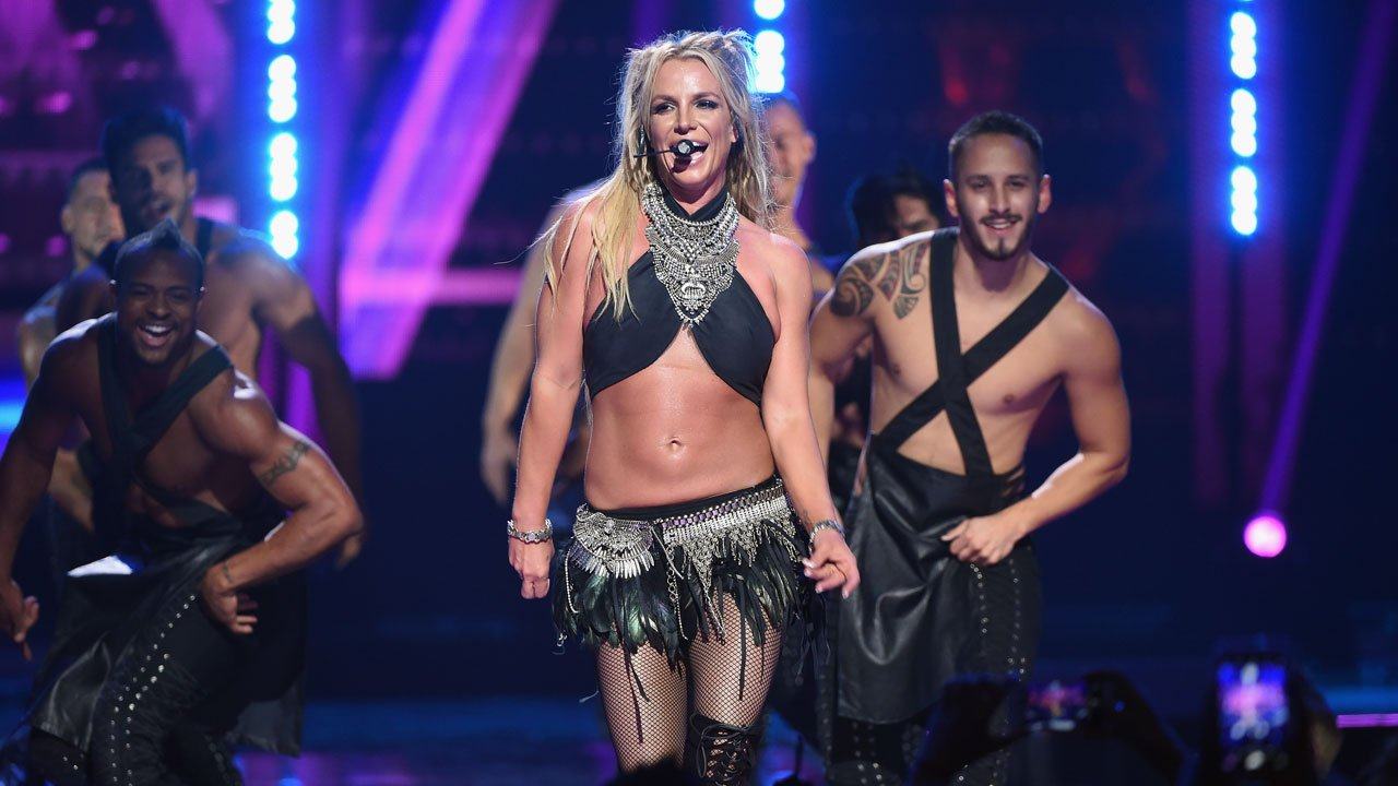 Britney Ever After: Natasha Bennett dans la peau de Britney Spears