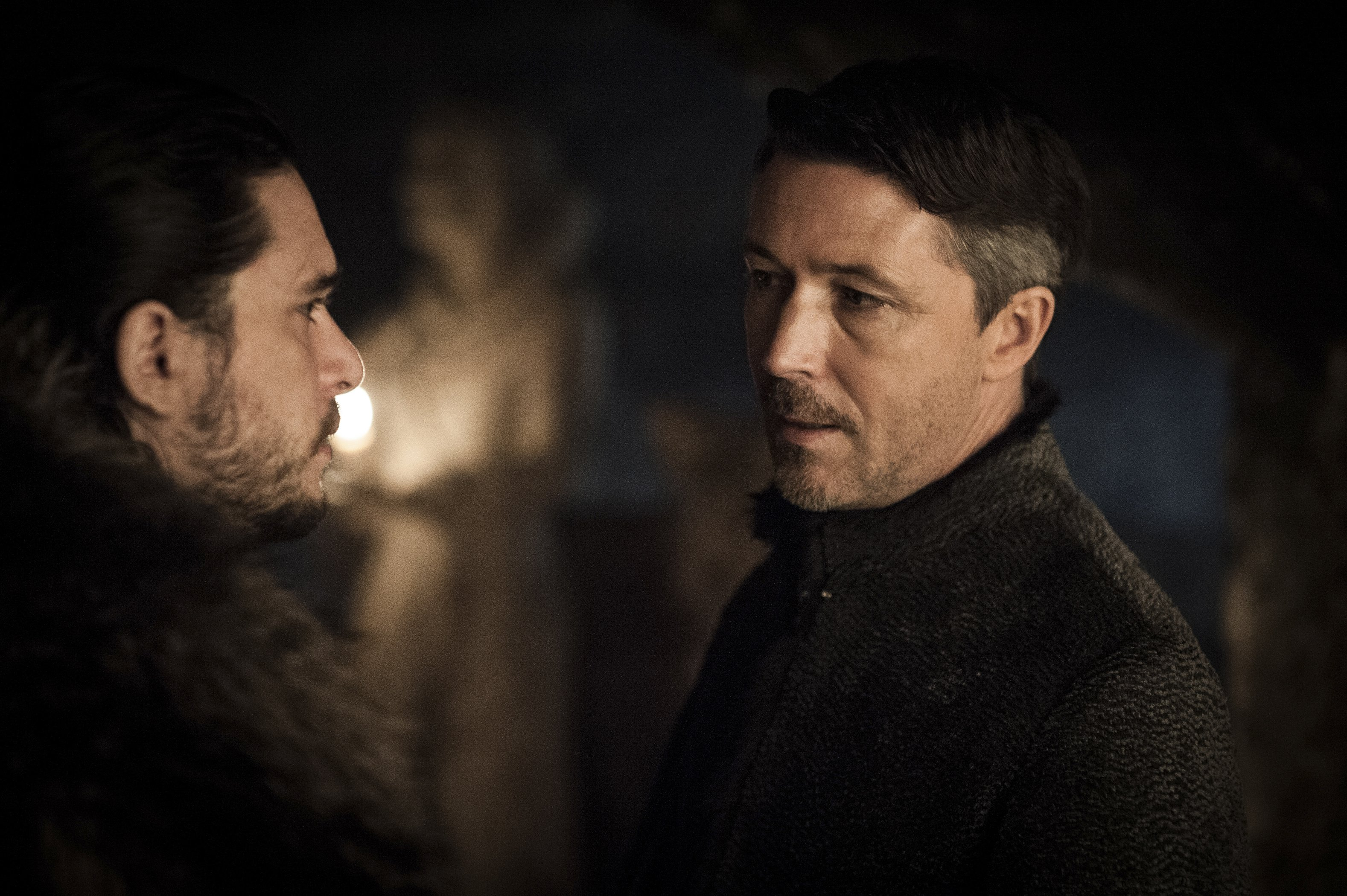 "Kit Harington est Jon Snow and Aidan Gillen est Petyr ""Littlefinger"" Baelish"