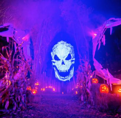 Haunters: The Art of the Scare célèbre Halloween et les maisons hantées