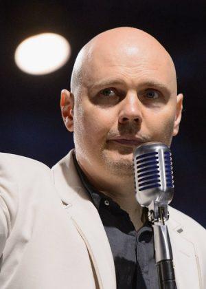 Billy Corgan avoue à Howard Stern qu'il a eu une expérience paranormale!
