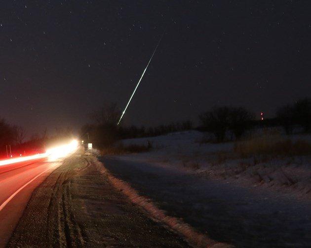 Le ciel tombe: des météores explosent en Espagne, au Canada et aux États-Unis