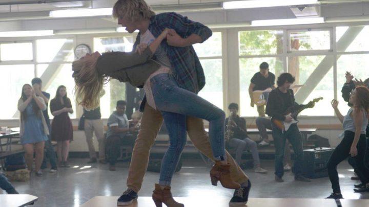 Status Update: un trailer pour la comédie avec Ross Lynch et Olivia Holt