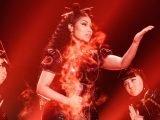 Nicki Minaj joue Chun-Li et Poke it out à Saturday Night Live