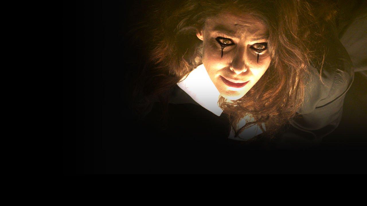 la femme la plus assassin e du monde le thriller est sur netflix tvqc. Black Bedroom Furniture Sets. Home Design Ideas