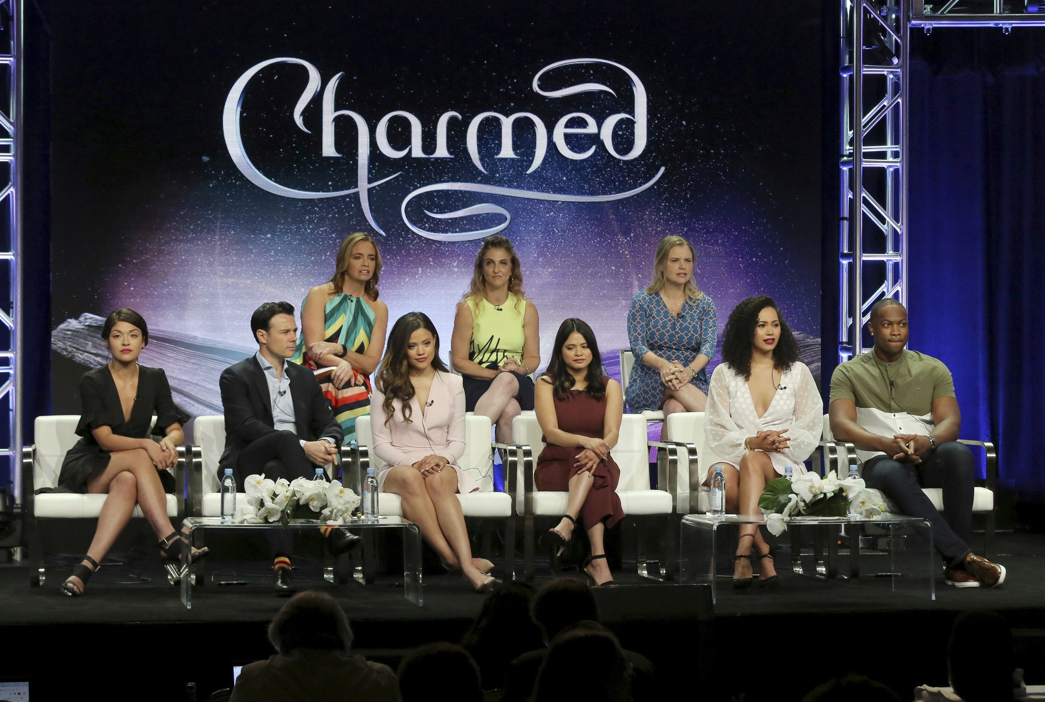 Charmed: tout savoir sur le reboot trailers, casting, affiches, synopsis