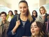 Une fille à la hauteur: Netflix dévoile un trailer pour la comédie Tall Girl