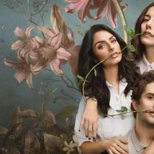 La maison aux fleurs saison 3: la comédie est de retour sur Netflix - TVQC